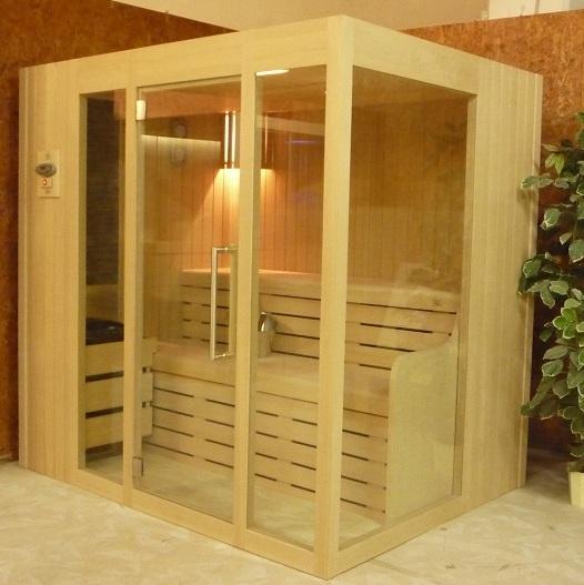 Sauna finlandese in legno di hemlok con porta e vetrate in cristallo temperato da 8 mm Luxurystar  http://www.emoplastsaune.com/saune-finlandesi/saune-di-serie/