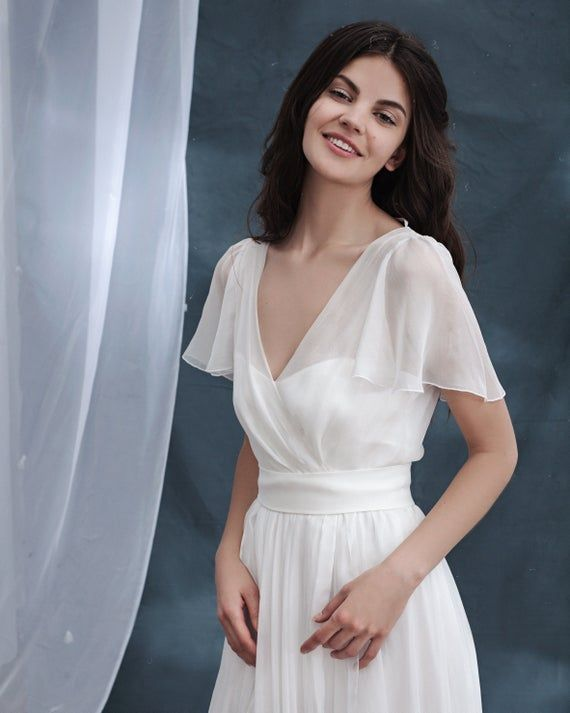 Simple Chiffon Wedding Dress Long Sleeve Wedding Dress Etsy In 2020 Long Sleeve Wedding Dress Simple Etsy Wedding Dress Wedding Dress Long Sleeve