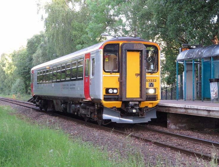 Class 153 at ty glas station crop geograph 6162860