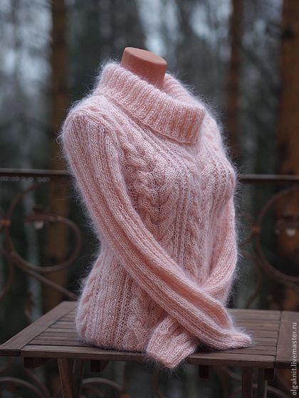 Купить или заказать свитер Уютный в интернет-магазине на Ярмарке Мастеров. АВТОРСКИЙ ДИЗАЙН. Женский свитер ручной работы. Очень мягкий, шелковистый, пушистый, теплый и привлекательный. Нежный абрикосовый цвет, красивый воротник. Узор повторяется по всему изделию.
