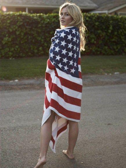 Julianne Hough 's USA #USA, #americanflag, #pinsland, https://apps.facebook.com/yangutu