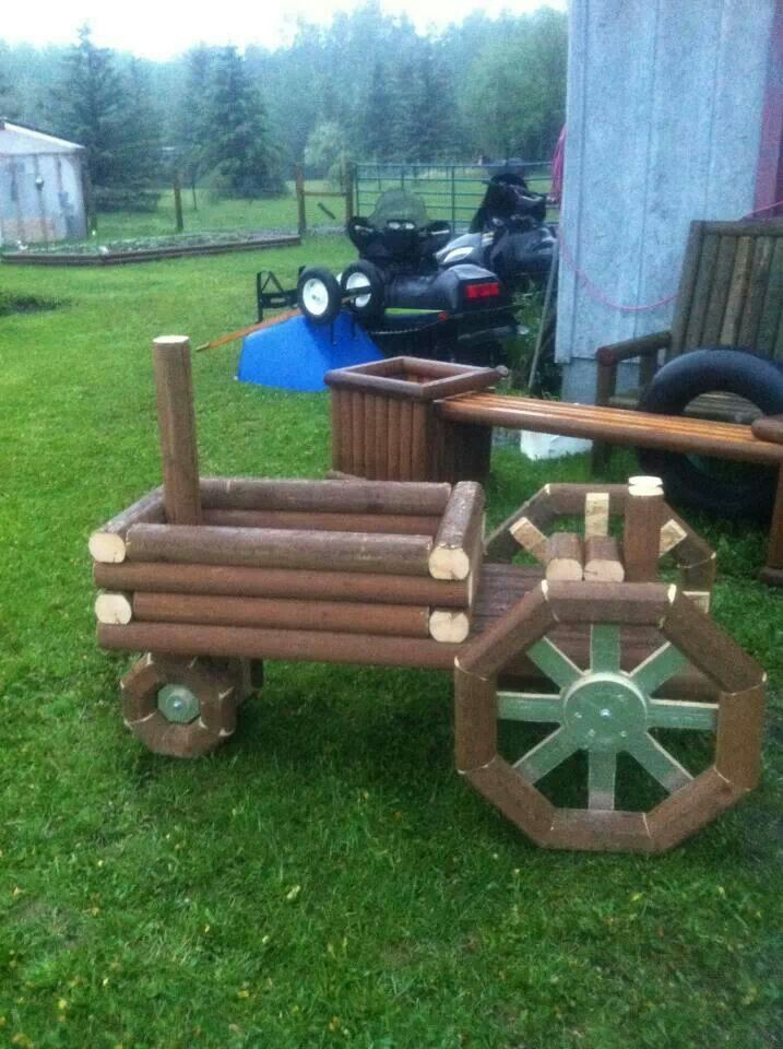 Wooden Tractor Plans : Wooden tractor planter plans woodworking projects