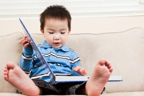 Tips Anak Cepat Membaca Agar Anak Pintar di Sekolah http://hdclover.com/post/ikuti-tips-anak-cepat-membaca-agar-anak-pintar-di-sekolah