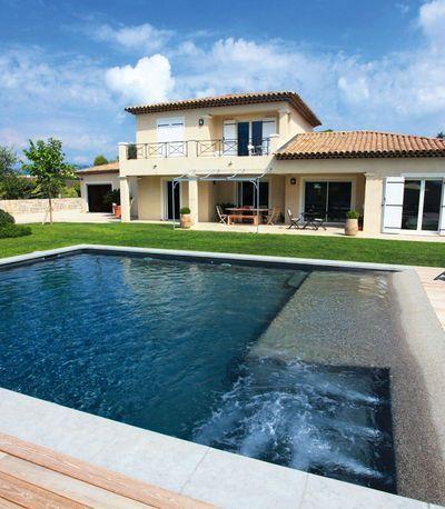 Une piscine fa on spa pour mon bien tre spa and house for Bar dans une piscine