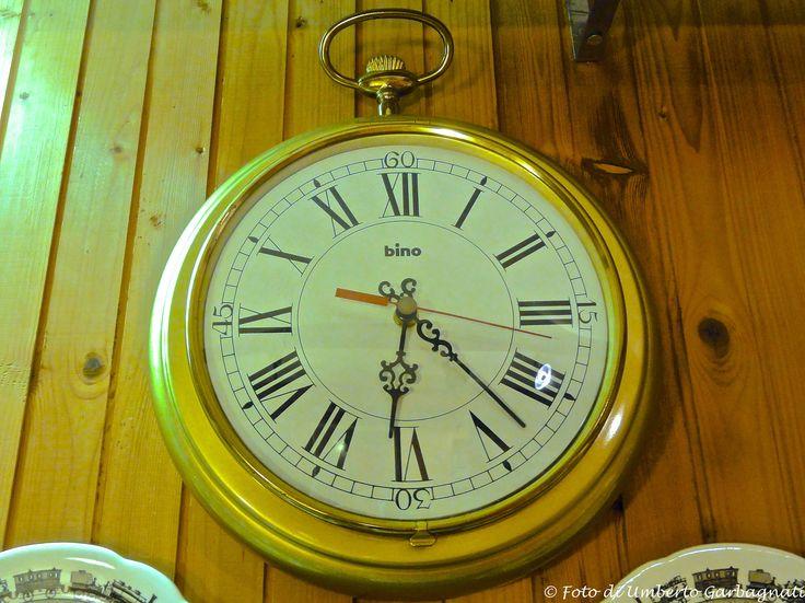 """... orologio da parete, elettrico, """"BINO"""" anno '90 -  © Umberto Garbagnati -"""