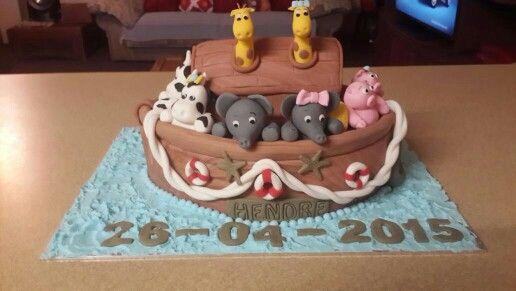Noah's Ark Babtize Cake