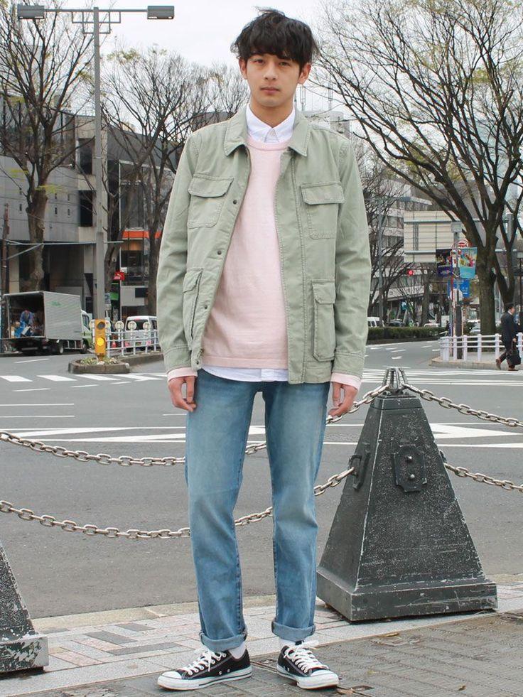 【フラッグシップ原宿スタッフ注目コーデ】 春の定番ミリタリージャケットに流行のピンクを差して、一気に今年らしく。くすんだピンクは取り入れやすく、オシャレ度アップ。  コットンフィールドジャケット (Color:オリーブ/¥12,900/ID:523285/着用サイズ:S) コットンリネンクルーネックプルオーバー (Color:ピンク/¥5,900/ID:714074/着用サイズ:M) オックスフォードシャツ (Color:ホワイト/...