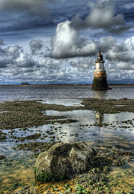 Plover Scar Light, River Lune, Lancashire, United Kingdom