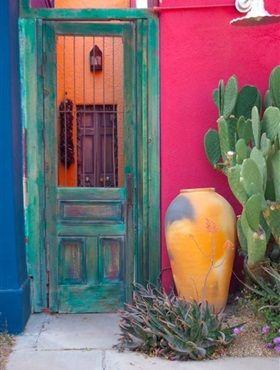 Deze week weer een land als inspiratiebron, namelijk Mexico. Levendig, zonnig en vooral kleurrijk. Dat zijn de sleutelwoorden voor een op Mexico geïnspireerd interieur.