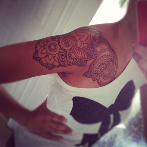 26 Amazing Paisley Tattoos for Women and Girls (20)