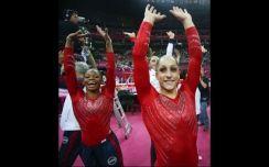 Equipo norteamericano de gimnasia olímpica ganador del oro por equipo