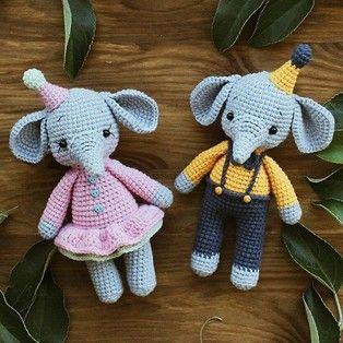 Бесплатный мастер-класс от Дианы Пацкун по вязанию маленьких слоников крючком. В данной схеме описано как связать двух милых слонят: мальчика и девочк…