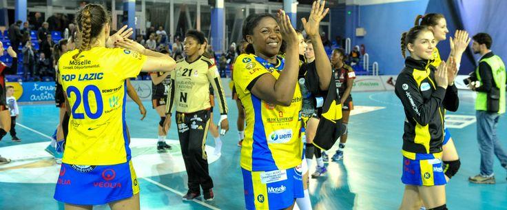 Handball - D1 (F/Quarts) : Metz, Issy-Paris et Brest s'imposent    Publié le 29 avril 2017 à 22H48    Aurélie SACCHELLI    Premier de la saison régulière, Metz a fait respecter la logique en allant s'imposer... http://www.sport365.fr/handball-d1-fquarts-metz-issy-paris-brest-simposent-3790315.html?utm_source=rss_feed&utm_medium=link&utm_campaign=unknown
