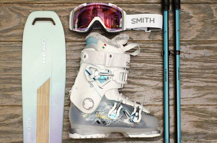Pack ski Femme.  Ski @head_ski Great Joy chaussure @dalbello_skiboots Luna 80Ls masque @smithoptics i/o et les bâtons Head Joy  #hawaiisurf #shop #paris #dalbello #head #headskis #smith #smithoptics #goggles #masque #baton #ski #skiing #woman #girl #girls #tbt #packshot #pack