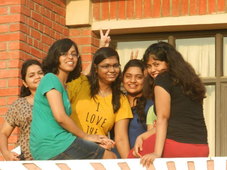 Friendship day walk..... the only day where we wake up in the wee hours to take a photo tour around the campus with friends