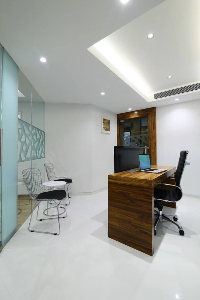 Innovative office interior design for a business at nariman point by nitido design contact the best interior decorators in mumbai for turnkey design