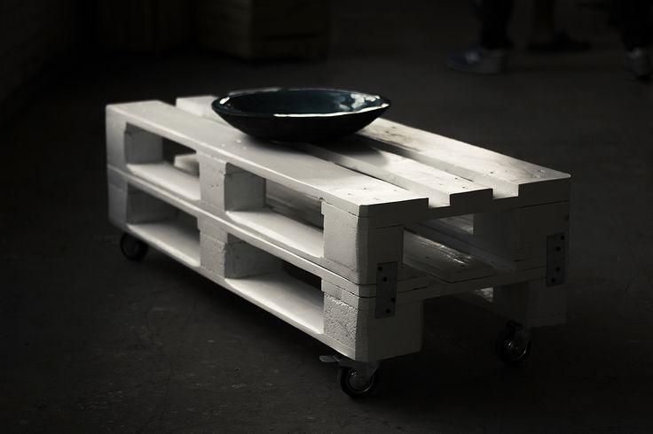 white table od FabrykaPalet (11672) - MyBaze.com