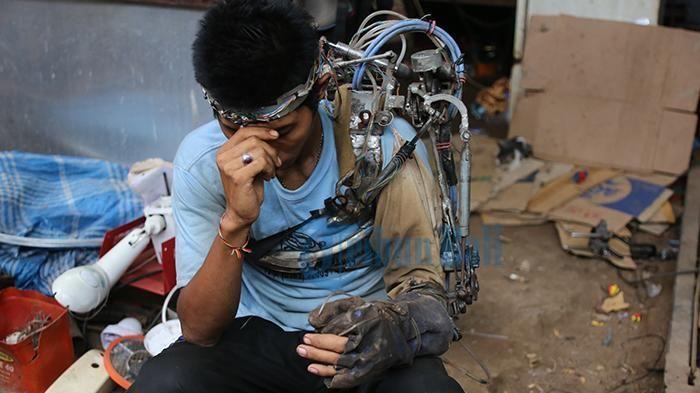 BPPT: Tangan Tawan Bukan Robot Tapi Alat Bantu : Direktur Pusat Teknologi Elektronika Badan Pengkajian dan Penerapan Teknologi (BPPT) Yudi Purwantoro menyebut lengan robot I Wayan Sumardana dari Bali bukan robot tet