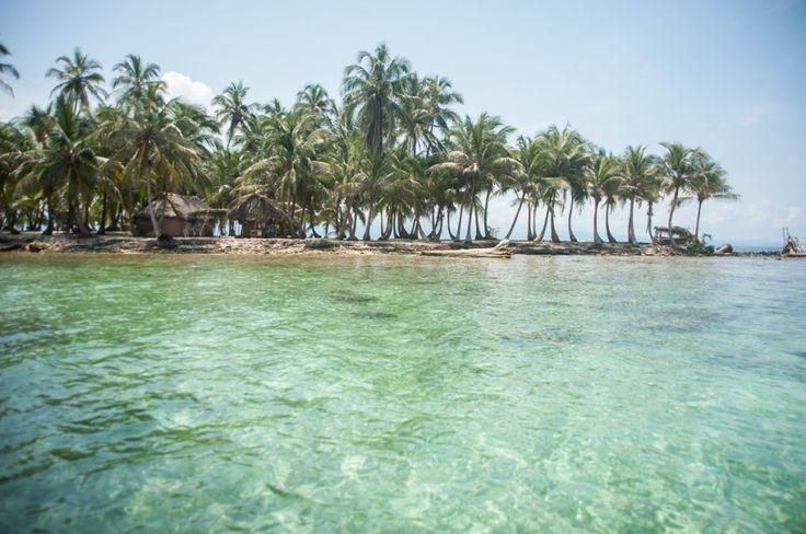 Visiter le Panama, une destination à ne pas manquer (Detour Local) -> Les San Blas au Panama, c'est à ne pas manquer! www.detourlocal.com/que-faire-panama-destination/