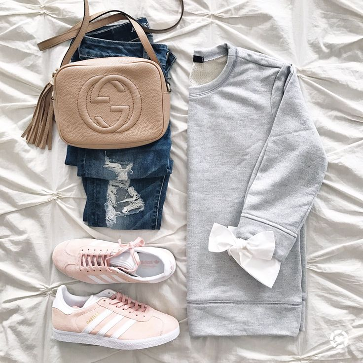 @sunsetsandstilettos- click through for outfit details- sweatshirt with bows and adidas gazelles in pink- casual outfit inspiration