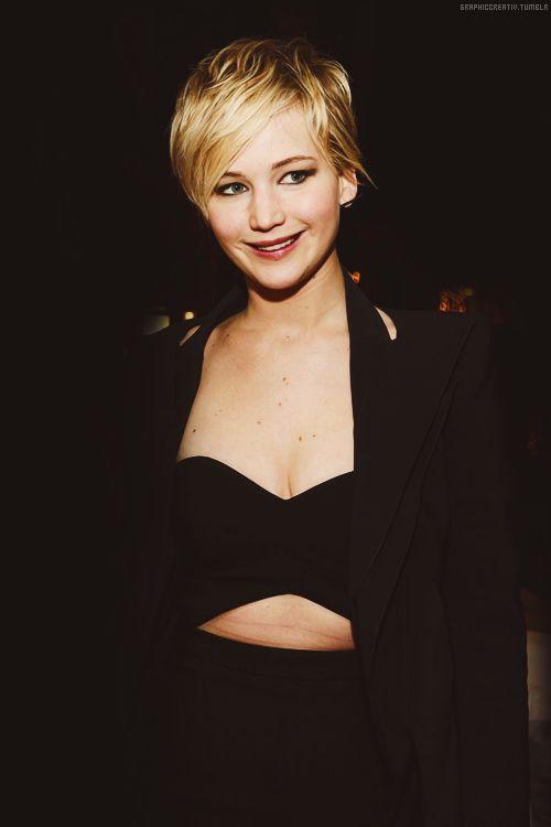 Jennifer Lawrence! Love the haircut.