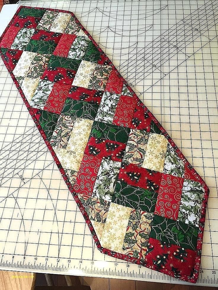 Quilted Tablecloth Patterns Inspirational Best Quilting Ideas On Round Noti Diario Patchwork Table Runner Table Runner Pattern Christmas Table Runner Pattern