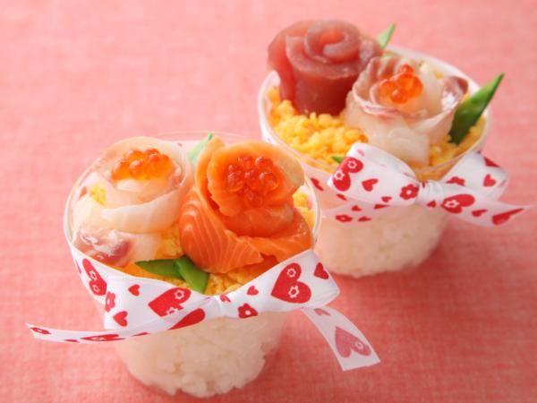花束のカップ寿司