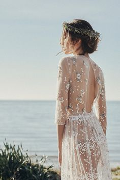 Wedding Inspiration from Emmahuntlondon X The perfect dress for a beach wedding