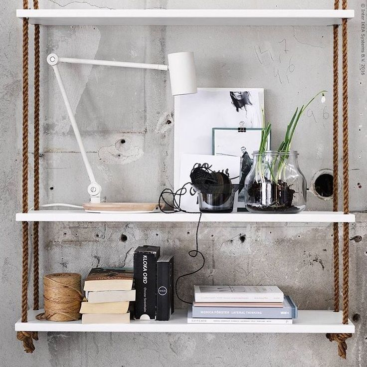 Ikea-tips: Hyllplan + rep (12 mm) + saxpinnar + takkrokar = hylla