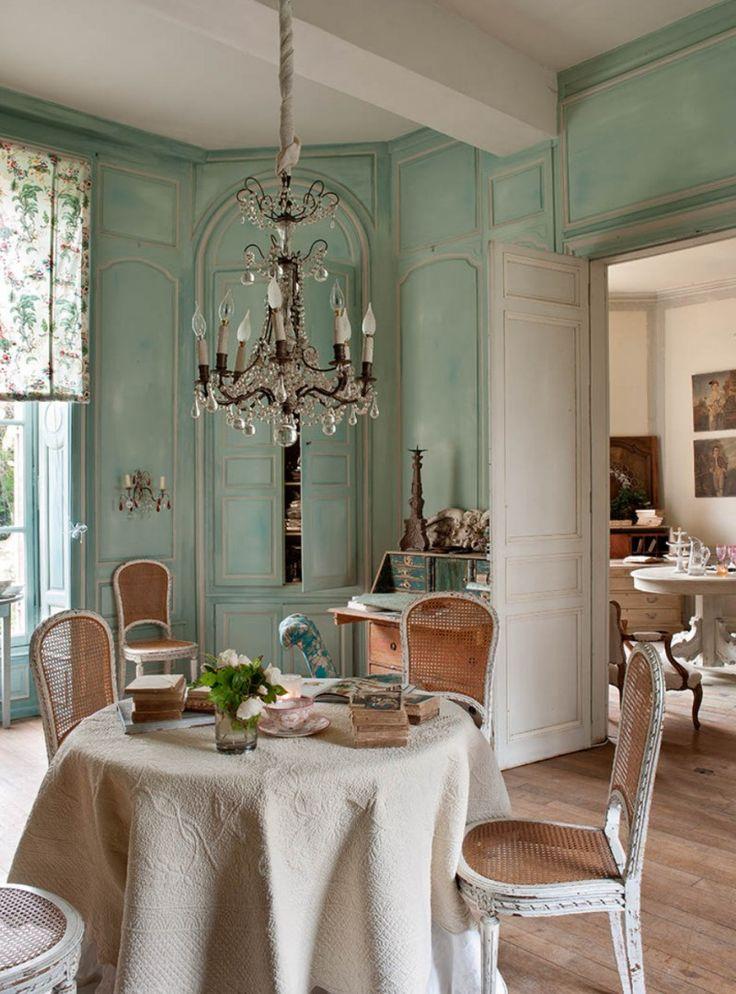 Le Grillon Voyageur French Paris Interior Design