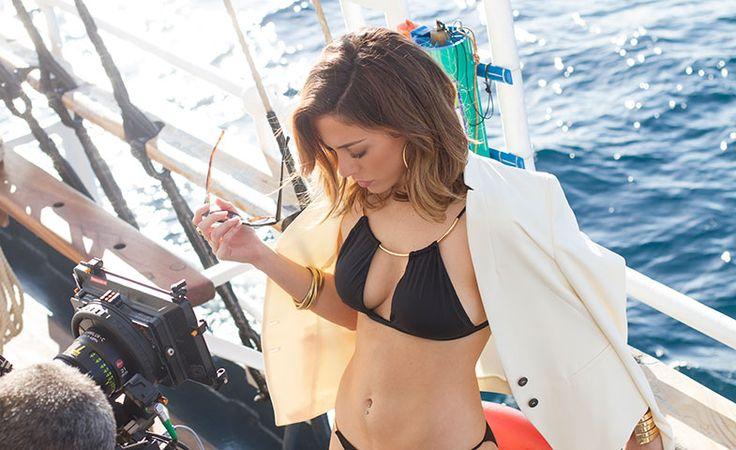 Tras las cámaras: Blanca preparándose para rodar una de las escenas de la 'boat movie' de Women'secret. © Women'secret