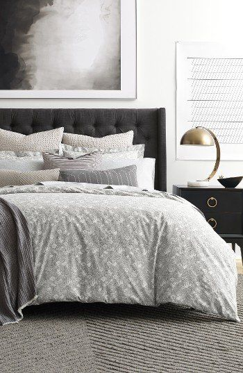 An artistic floral and avian print makes this crisp cotton duvet an enchanting addition to your bedroom décor.