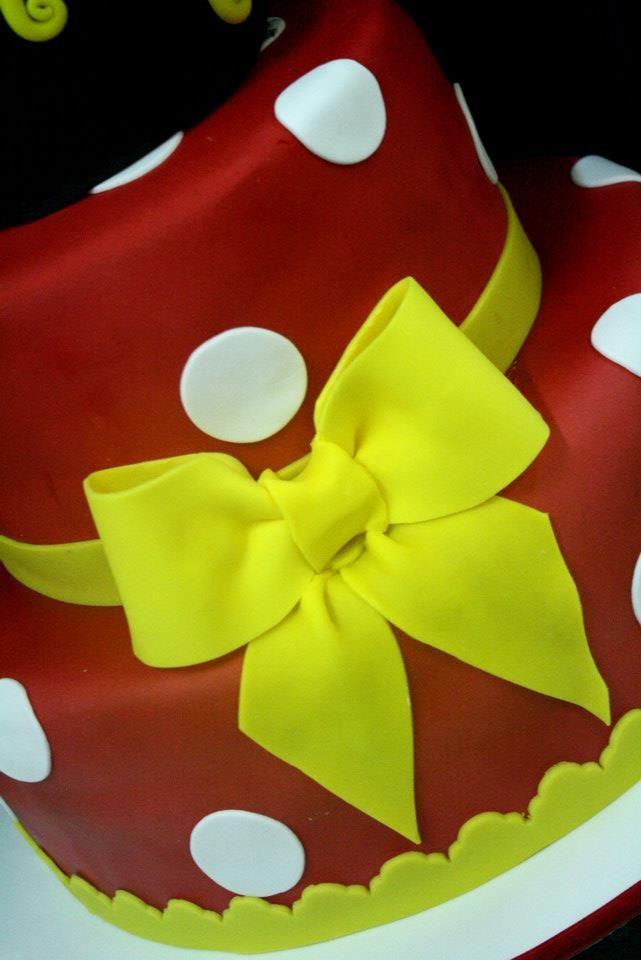 Minnie cake Torte Artistiche per qualsiasi evento della pasticceria La Mimosa di http://www.simocakedesigner.it