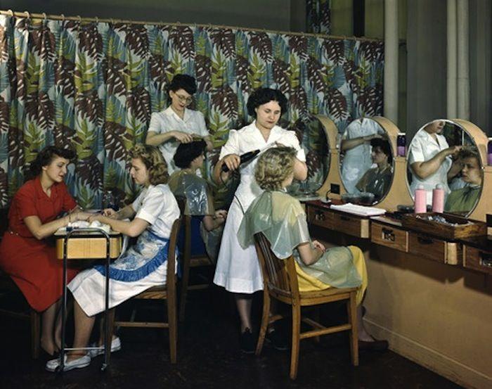 Vintage hair salon vintage beauty salon pinterest for 1950 s beauty salon