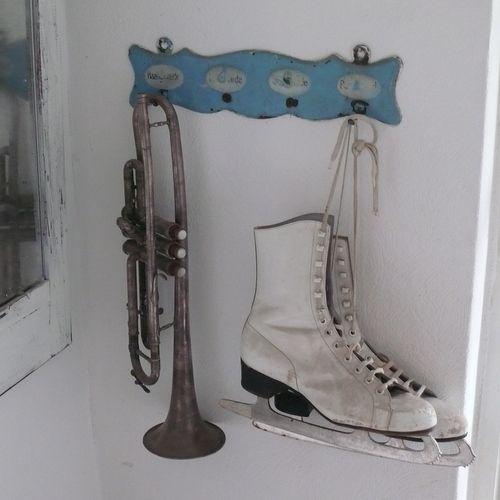 Gamle skøjter, vintage, indretning, interiør, nordisk fransk ...