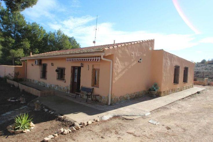 Hier lässt es sich leben* Landhaus mit Flair  Details zum #Immobilienangebot unter https://www.immobilienanzeigen24.com/spanien/comunidad-valenciana/03400-villena/Villa-kaufen/27179:648751208:0:mr2.html  #Immobilien #Immobilienportal #Villena #Haus #Villa #Spanien
