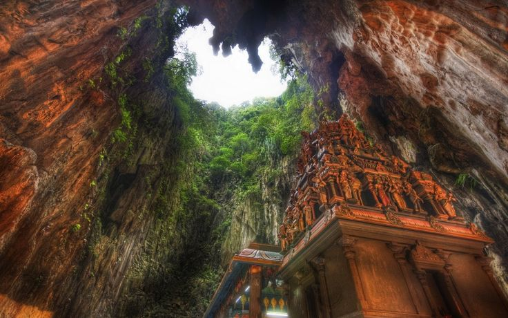 Batu Cave Kuala Lumpur Malaysia / Пещера Бату