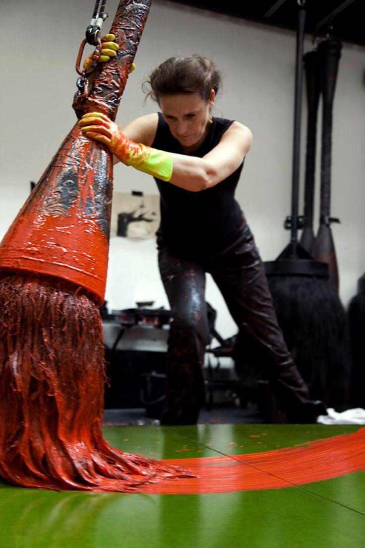 Fabienne Verdier using big strokes