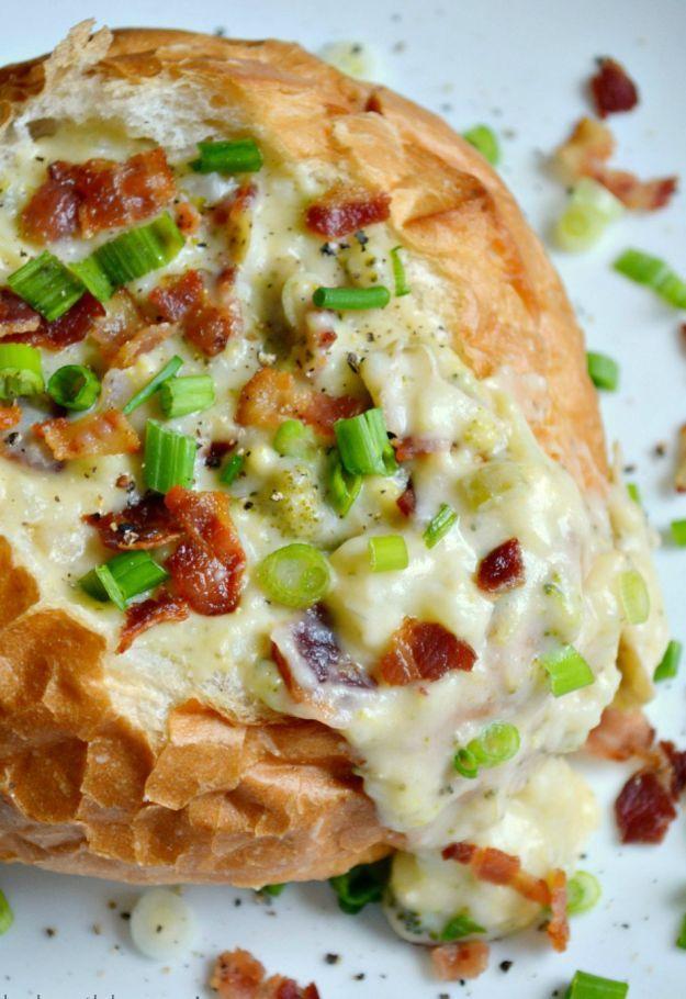 Loaded Cheesy Broccoli Potato Soup | http://homemaderecipes.com/course/pastas-bread/15-bread-bowl-recipes