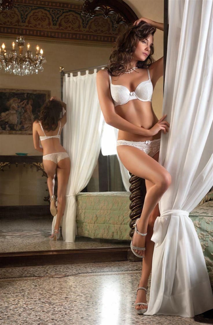 bikini model ambra