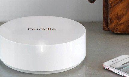 Dimentica la connessione Wi-Fi a singhiozzo in tutta la casa. Huddle offre il Wi-Fi a trecentosessanta gradi per tutta la famiglia. Senza buffering e senza preoccupazioni per il Wi-Fi.