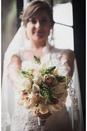 Bouquet - Ramo - Novia - Bride - Vestido de novia - Wedding dress - Bodas - matrimonios - detalles en bodas