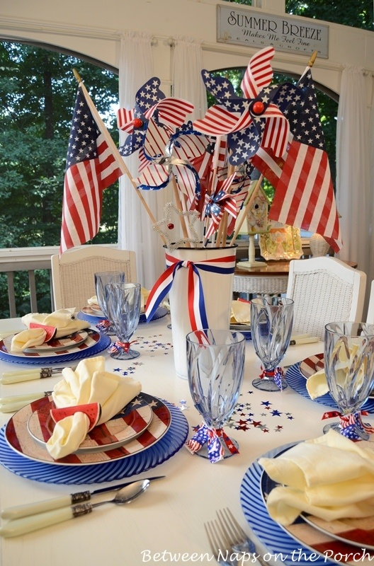 4th-of-July-Table-Setting-on-the-Porch-
