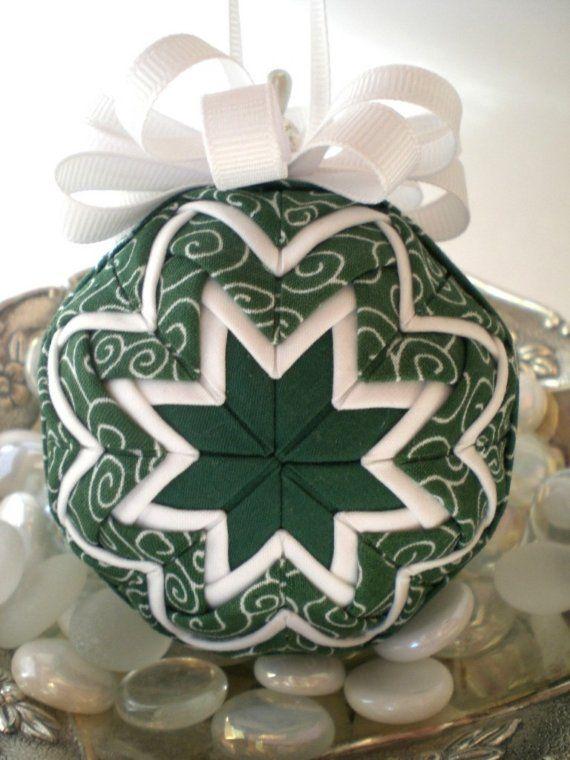 Hecho a mano Navidad acolchado ornamento por NorthernKeepsakes