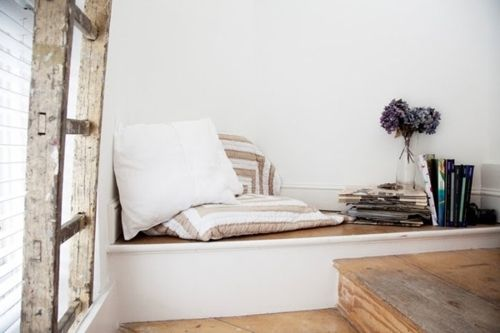 Interior Decline - great reading nookSpaces, Decor Room, Cozy Corner, Windows Seats, Interiors Design, Reading Corner, Reading Nooks, Small Room Decor, Smallroom