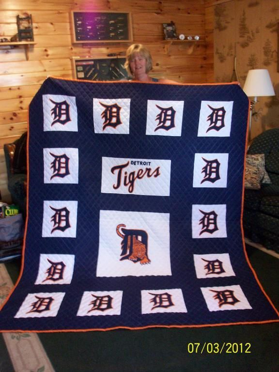 - Detroit Tiger Quilt kenny would love this maybe I could beg grandma