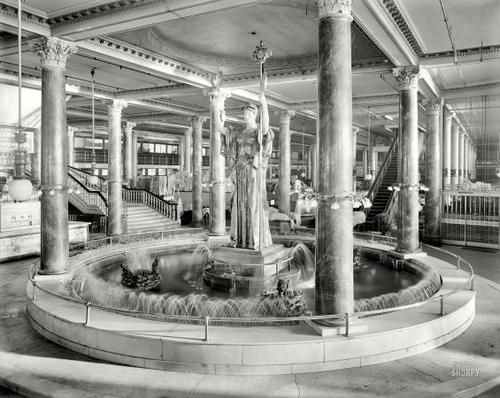 """Siegel-Cooper Company department store, 6th Avenue, New York City, 1900. - with """"Statue of Republic"""" fountain.  The store opened in 1896 and closed in 1917 after declaring bankruptcy."""