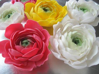 FREE TUTORIAL: polymer clay or gumpaste flowers. Mansikkamäki: Jaloleinikki