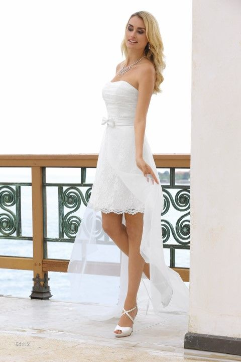 Korte Ladybird trouwjurk met losse transparante rok - model 54112 - Xsasa bruidsmode