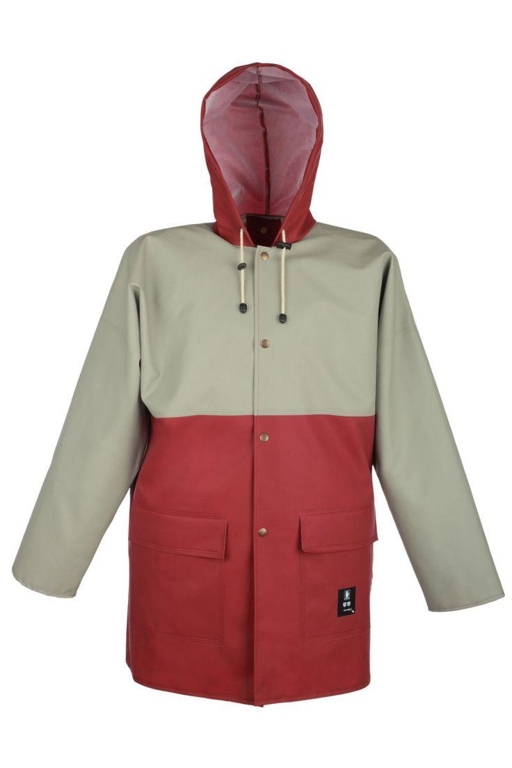 КУРТКА ВЛАГОЗАЩИТНАЯ ДВУХЦВЕТНАЯ 3/4 Артикул: 181 Куртка с застежкой на кнопки, с капюшоном, с двумя боковыми накладными карманами с клапанами; с двусторонними герметичными швами. Куртка выполнена из влагостойкой ткани Plavitex. Предназначена для защиты от атмосферных осадков, дождя и ветра. Изделие отвечает европейским стандартам: EN ISO 13688 и EN 343.